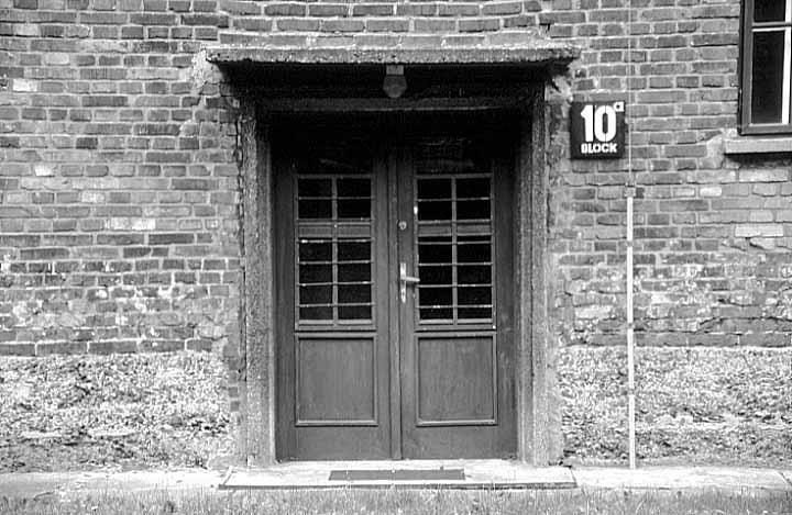 Auschwitz I door block 10
